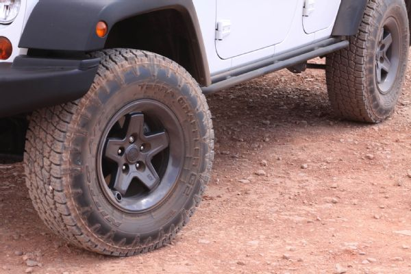 Low-Lifting A Jeep JK | Jungle Fender Flares - Best 4x4 Flares