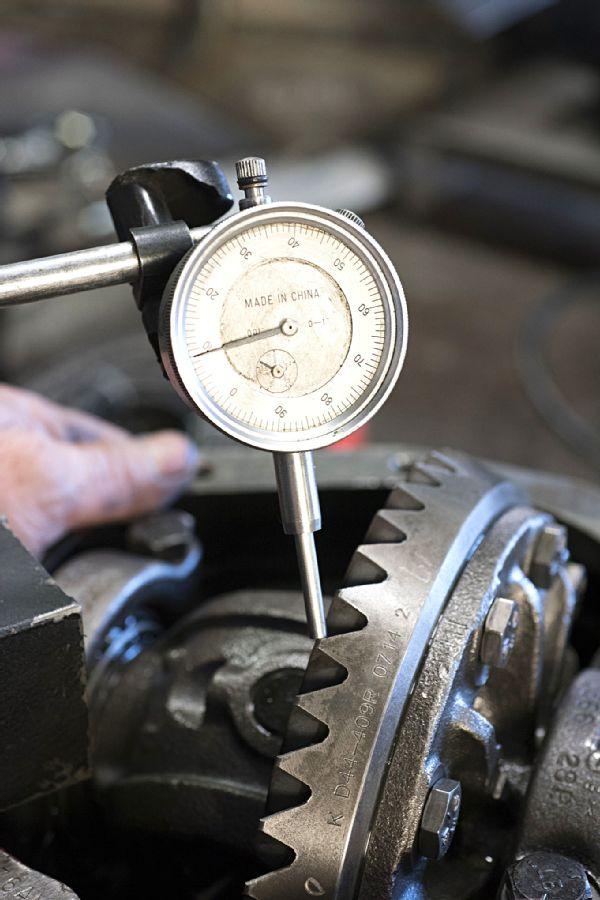 Tips And Tricks For Regearing Ford's TTB Dana 44   Jungle